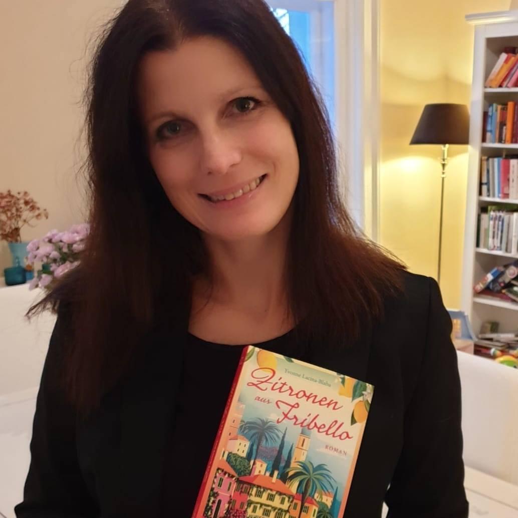 Yvonne Lacina-Blaha mit ihrem ersten Roman Zitronen aus Fribello