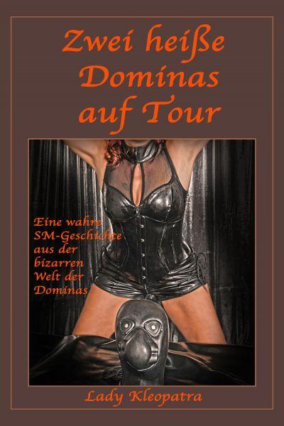 Zwei heiße Dominas auf Tour